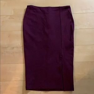 Adorable pencil skirt with side slit